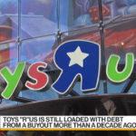 Toys R' Us sventola bandiera bianca. Il colosso dei giocattoli chiede bancarotta. Colpa di Amazon