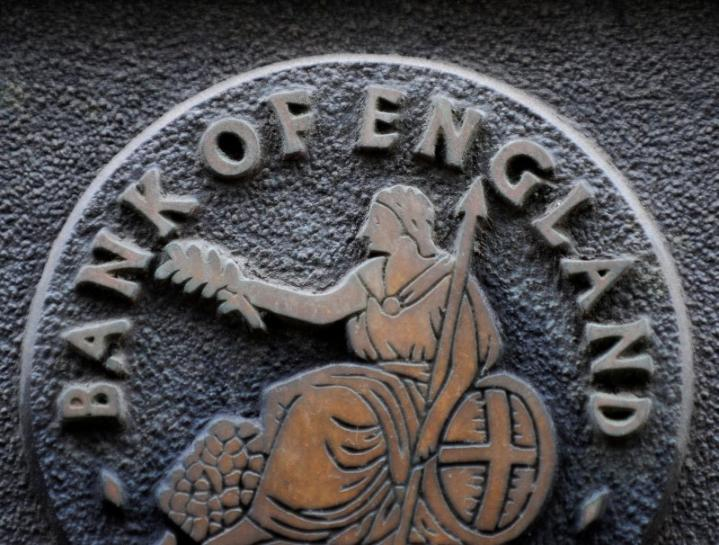 European shares hold near two-yr highs before BoE decision