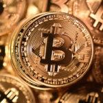 Nuova fuga da Bitcoin e Etherum