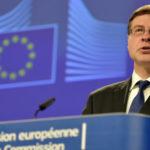 """Dombrovskis: """"Otto anni per coprire le nuove sofferenze"""""""