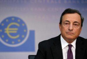 Draghi, Bce: tassi (ancora) fermi in attesa della battaglia