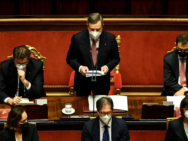 """Governo, Draghi al Senato: """"Primo pensiero combattere la pandemia"""""""